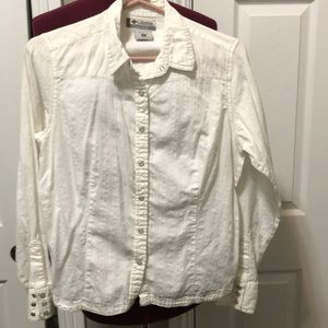 Columbia Woman's long sleeve collared- Snaps